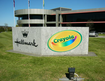 crayola-big-external-sign-1